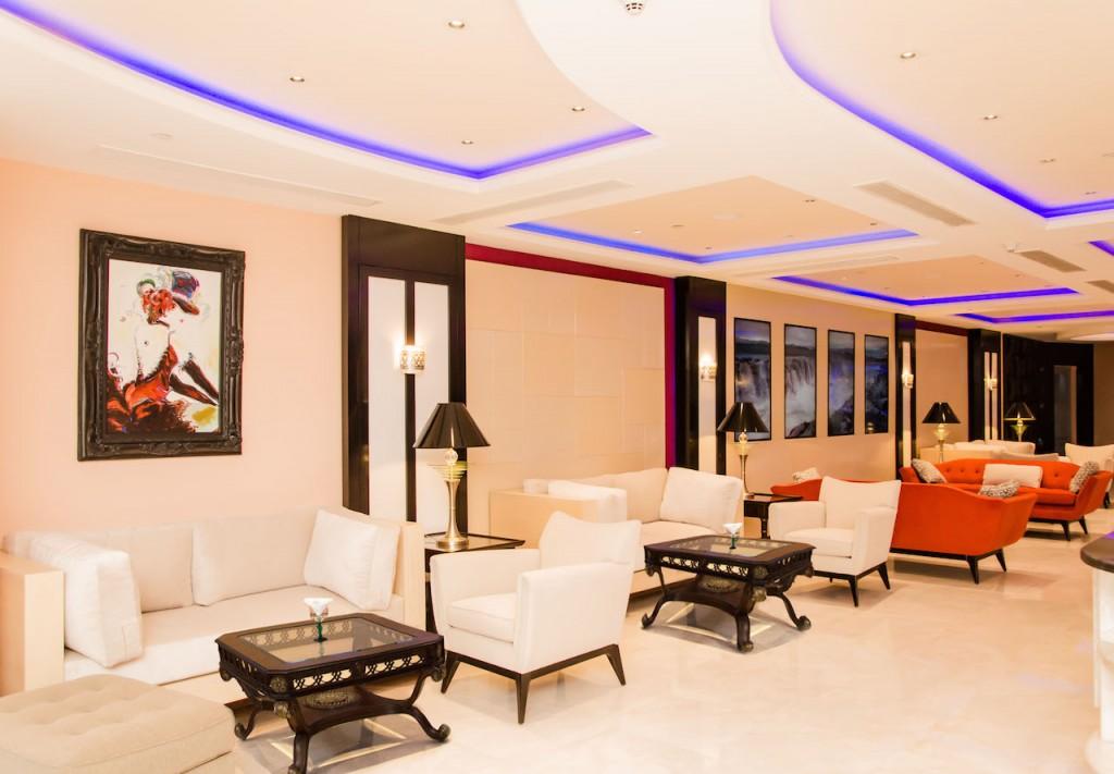23-royal-savoy-lounge-inside